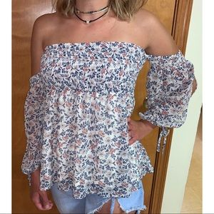 American Eagle Off the Shoulder Floral